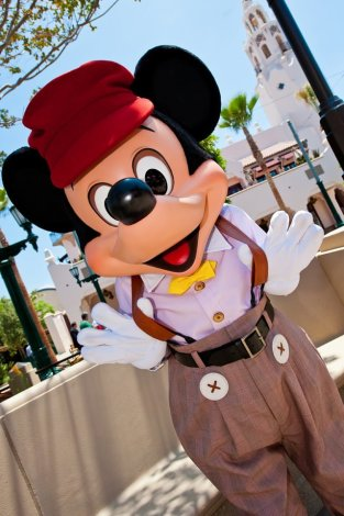 buena-vista-street-mickey-mouse-disney-california-adventure