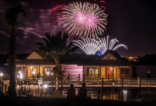 polynesian-bungalows-fireworks-magic-kingdom-2