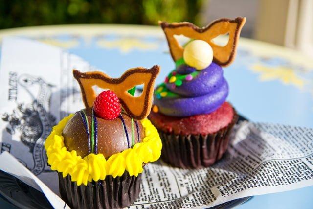 """""""Top 7 Must Eats!"""" - Great Disneyland Resort Counter Service Foods"""