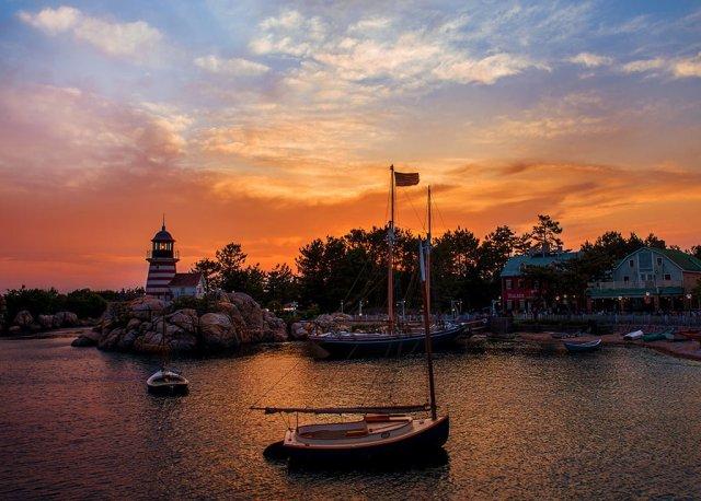 cape-code-lighthouse-sunset-2