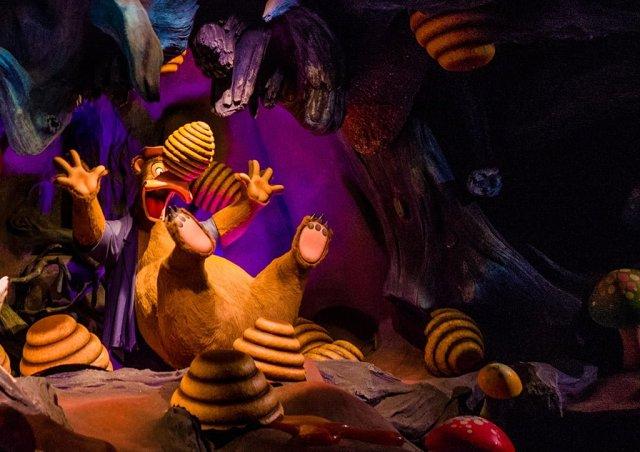 Tokyo-Disneyland-Spring-2013-0273