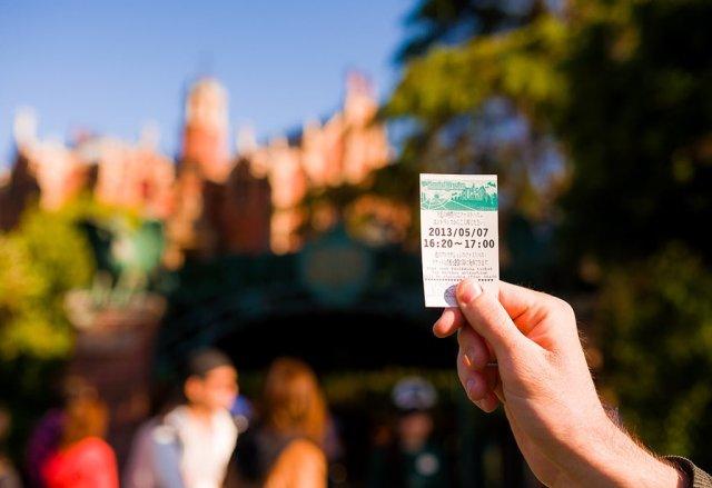 Tokyo-Disneyland-Spring-2013-0308