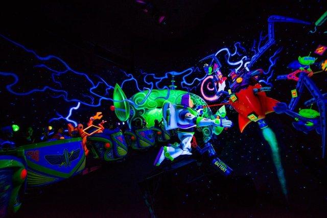 Tokyo-Disneyland-Spring-2013-0317