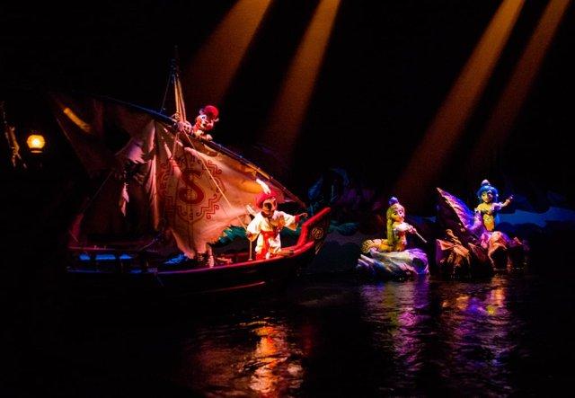 Tokyo-Disney-Resort-Spring-2013-0460