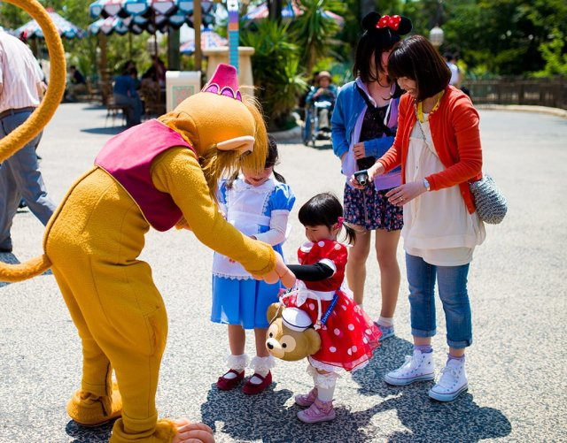 abu-disneysea-meet-greet