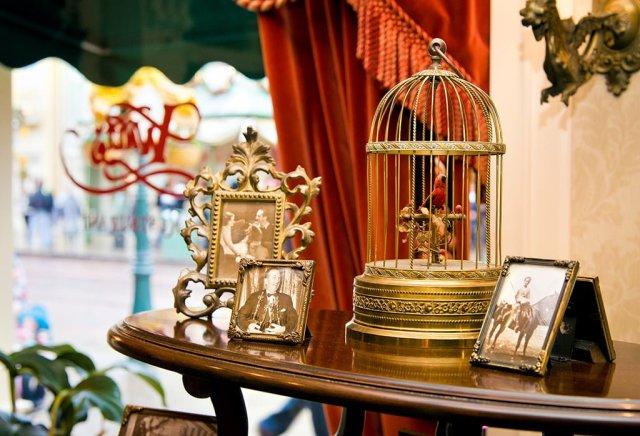 walts-restaurant-lobby-bricker