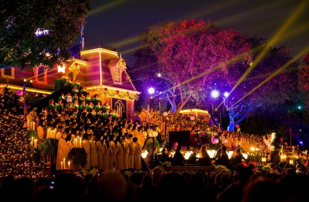 candlelight-processional-disneyland