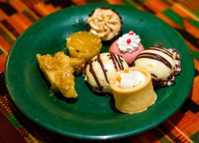boma-dessert-plate