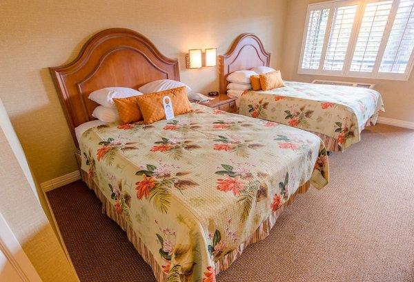 candy-cane-inn-beds