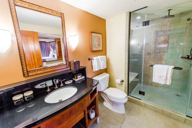 aulani-bathroom