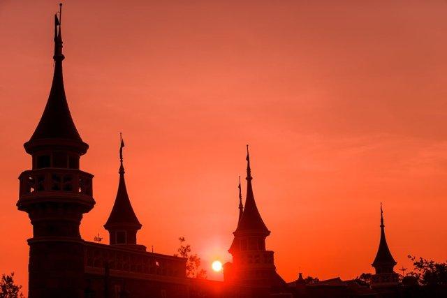 castle-walls-sunset