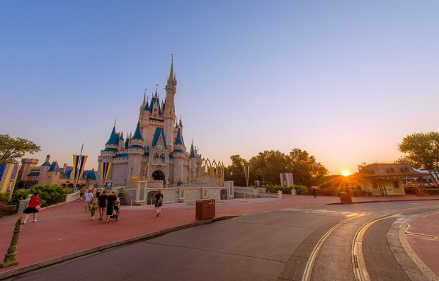 cinderella-castle-morning-light-sunrise