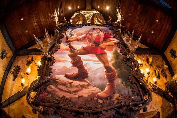 gaston-painting-magic-kingdom