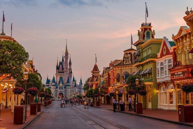 park-closing-magic-kingdom-24-hour-party