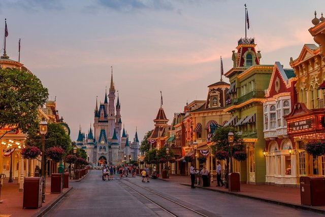 park-closing-magic-kingdom-24-hour-party