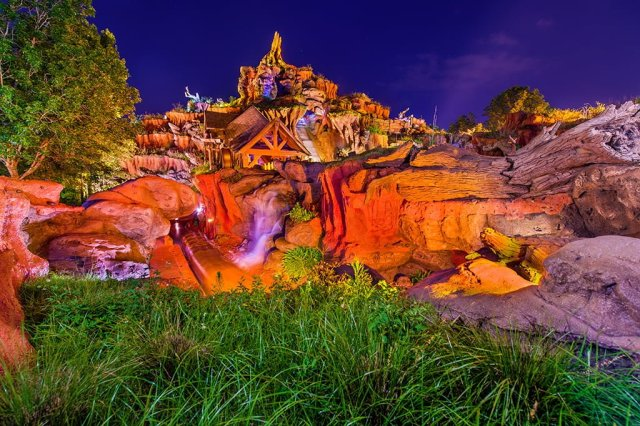 splash-mountain-night-disney-world