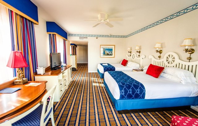 Disney S Yacht Club Resort Review Disney Tourist Blog