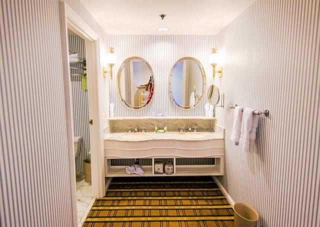yacht-club-sinks