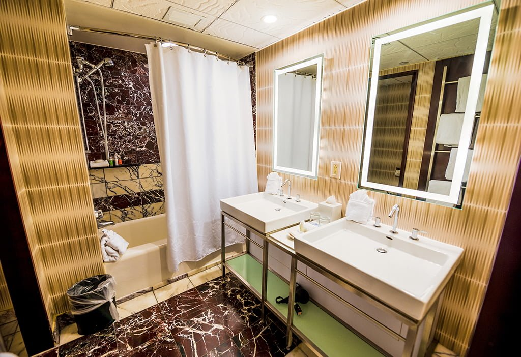 contemporary-disney-world-bathroom
