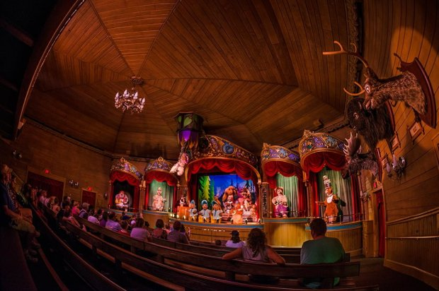 country-bear-jamboree-fisheye