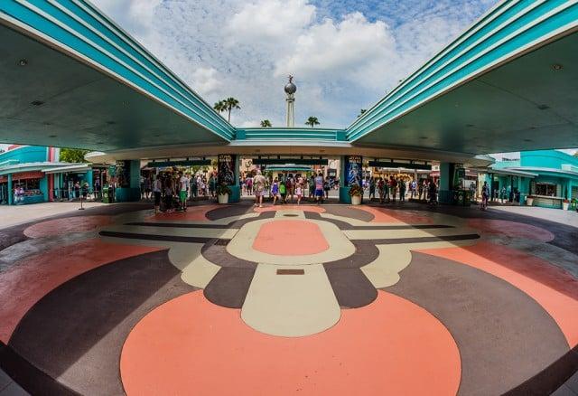 disneys-hollywood-studios-entrance
