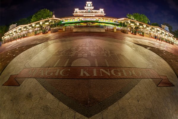 magic-kingdom-entrance-M