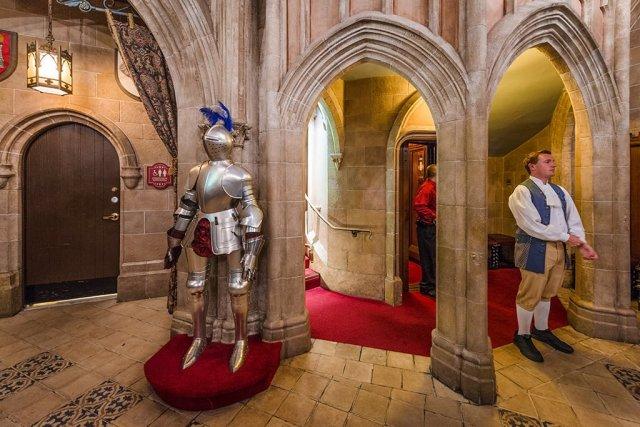 cinderellas-royal-table-armor