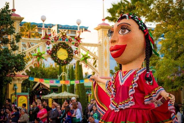 viva-navidad-puppet