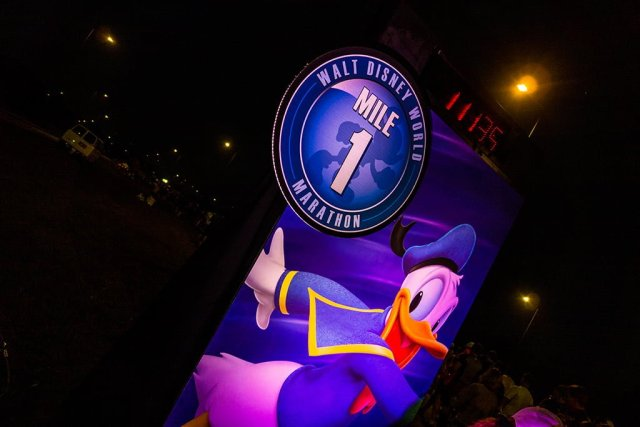 mile-1-walt-disney-world-marathon