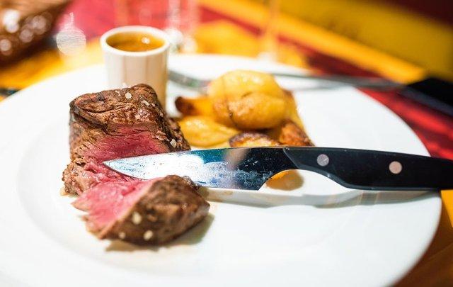 ratatouille-restaurant-cut-meat