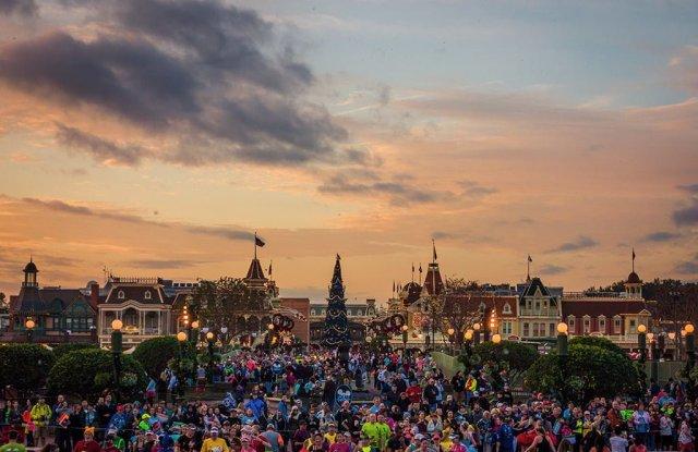 sunrise-magic-kingdom-marathon-morning