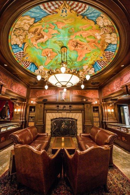 teddy-roosevelt-lounge-portrait-fireplace