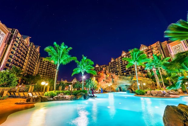 aulani-pool-starlight-hawaii