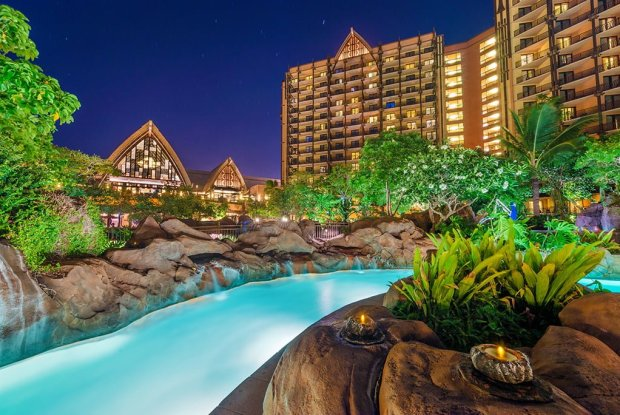 lazy-river-aulani-night-bend