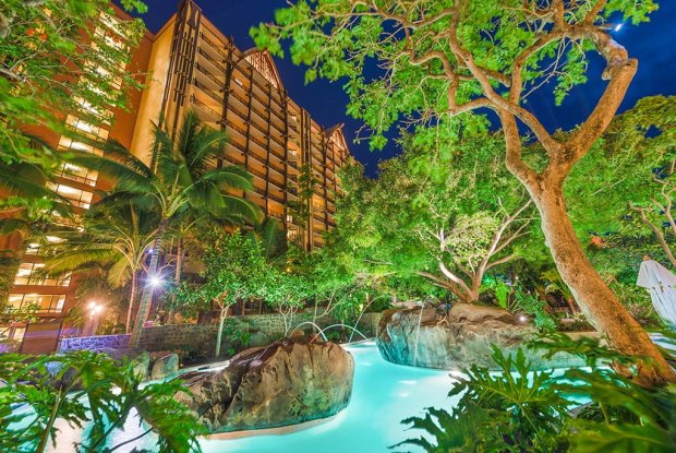 lazy-river-foliage-aulani-night