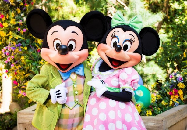 mickey-minnie-easter-clothes-disneyland