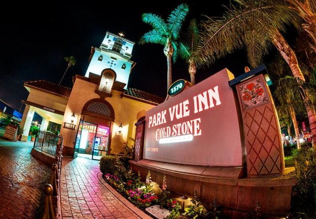 park-vue-inn-fisheye-night