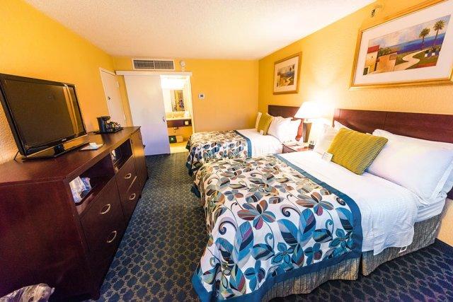 wyndham-lake-buena-vista-hotel-room