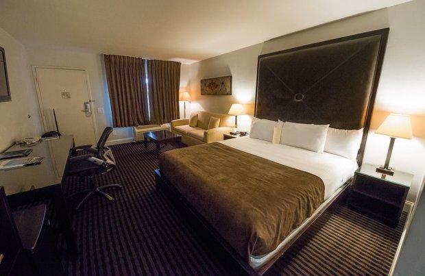 hotel-menage-disneyland-good-neighbor-hotel-room-wide