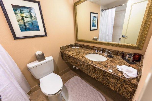 marriott-bathroom-disneyland-anaheim-convention-center
