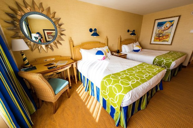 paradise-pier-hotel-bedroom-wide