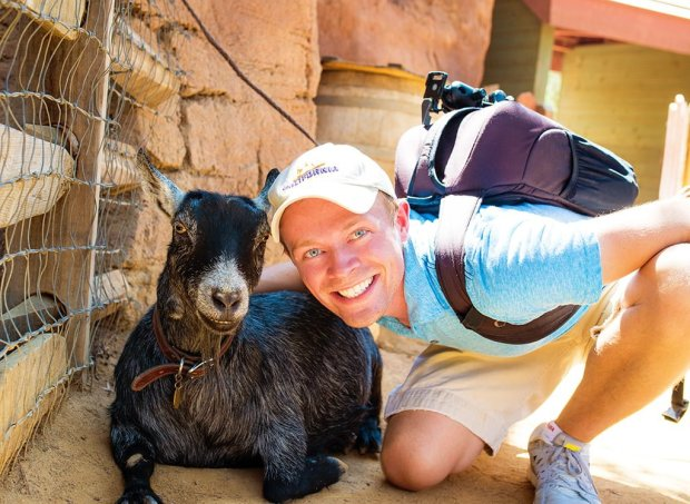 tom-bricker-goat-selfie