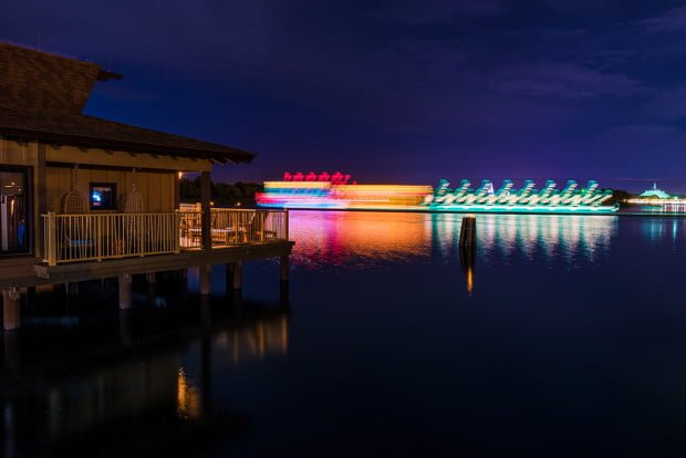 polynesian-bungalows-water-pageant-long-exposure