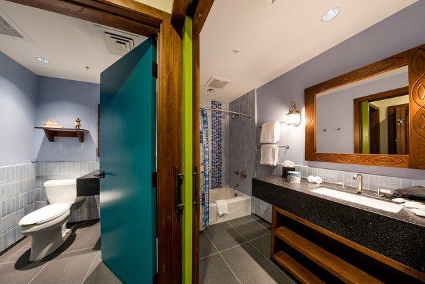 second-bathroom-polynesian-bora-bora-bungalow