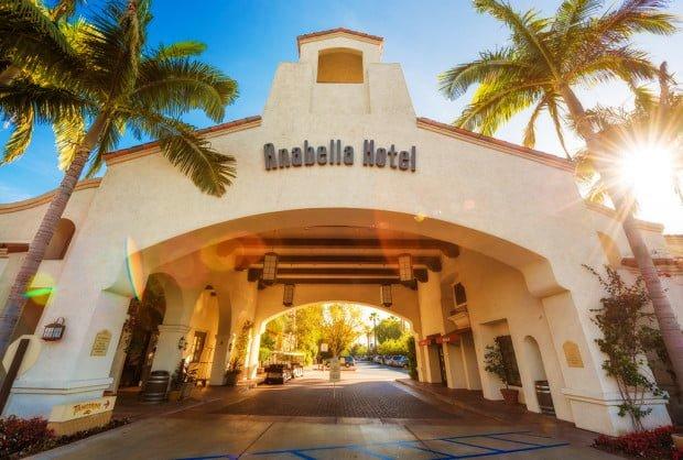 anabella-hotel-disneyland-exterior