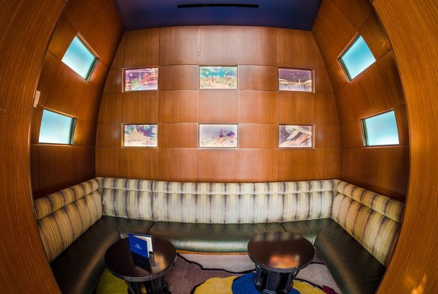 top-world-lounge-tomorrowland-booth