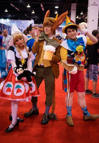 d23-expo-day-1-196