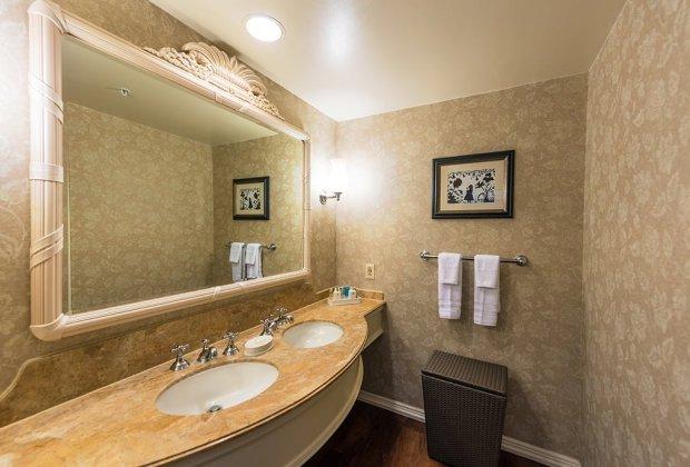 grand-floridian-sinks-disney-world