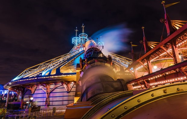 space-mountain-launch-cannon-disneyland-paris