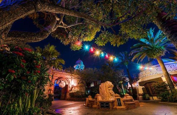 universal-orlando-islands-of-adventure-lights